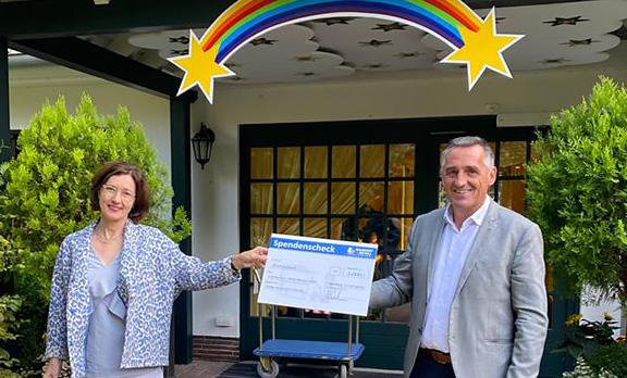 Zweite Spendenübergabe, 1.000 €